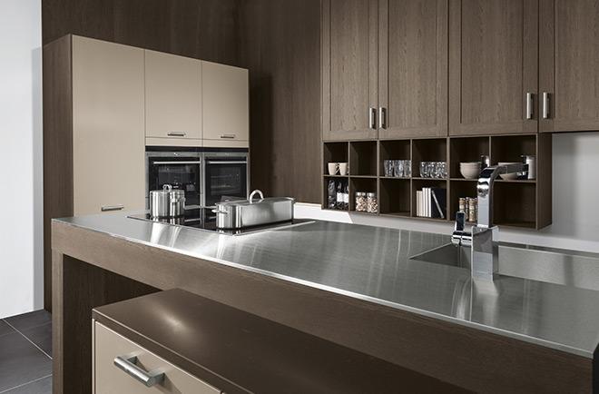 der trend moderne k che gro z gig mit kochinsel k chentraumplanerk chentraumplaner. Black Bedroom Furniture Sets. Home Design Ideas